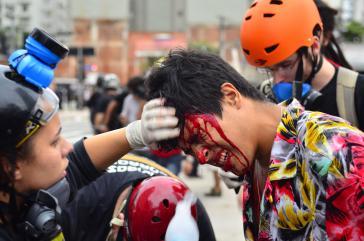 Verletzter Demonstrant auf der Avenida Paulista