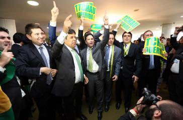 Abgeordnete am Tag der Abstimmung für das Impeachment gegen Dilma Rousseff