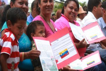 "Begünstigte des Sozialprogramms ""Hogares de la Patria"""
