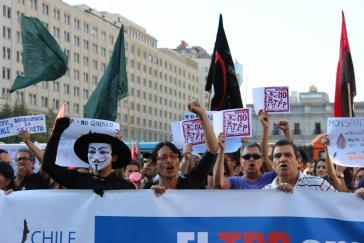 Demonstration gegen das Freihandelsabkommen TPP in Santiago de Chile