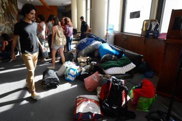 """""""Friedlich, aber unbefristet"""": Kulturschaffende halten den Sitz des Kulturministeriums besetzt"""