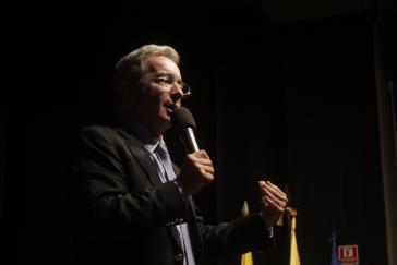 """Uribe plädiert dafür """"ehrenhafte Unternehmer"""" vom Friedensvertrag auszunehmen"""
