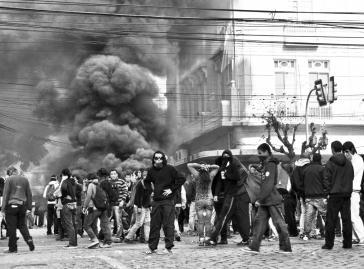 Alljährlich kommt es am 21. Mai zu massiven Protesten in Valparaíso – diesmal ist ein Toter zu beklagen