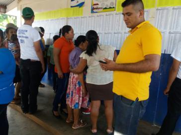 Vor einem Wahllokal in Managua am 6. November