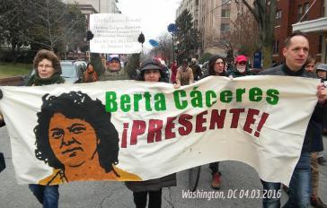 Protest nach dem Mord an Berta Cáceres in Washington, USA
