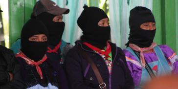 Zapatistas bei der Eröffnung des Kongresses