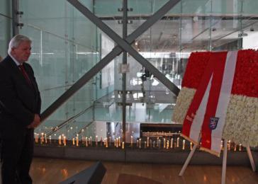 Hessens Ministerpräsident Volker Bouffier (CDU)  im Museum der Erinnerung und der Menschenrechte in Santiago de Chile im September 2016