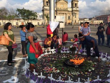 Gedenkfeier am 8. August 2017 für die 41 im Kinderheim verbrannten Mädchen, die Überlebenden und ihre Familien.