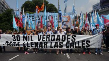 """Protest gegen den Geschichtsrevisionismus in Argentinien: """"30.000 Wahrheiten, um die Straßen zu füllen"""""""