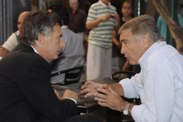 Staatspräsident Mauricio Macri und Verteidigungsminister Oscar Aguad