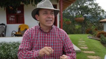 """Santiago Uribe, Bruder des Senators und Ex-Präsidenten Álvaro Uribe, soll die paramilitärische Gruppe """"Die 12 Apostel"""" geleitet haben"""