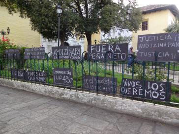 Stilles Gedenken und Forderung nach Rücktritt von Präsident Enrique Peña Nieto