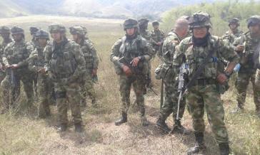 Das Bataillon 8 hat im Süden Kolumbiens das Feuer gegen die Zivilbevölkerung eröffnet und einen Menschen getötet