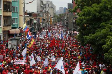 """Zehntausende demonstrierten am Dienstag in Caracas gegen die """"Einmischung der OAS"""""""
