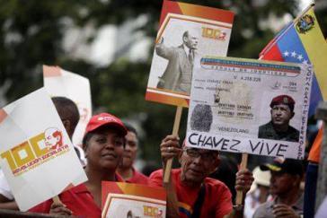Demonstration zum Gedenken der Oktoberrevolution in Venezuelas Hauptstadt