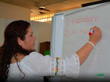 Hernández ist eine der Menschenrechtsverteidigerinnen, die sich der Repression seitens der Regierung stellt