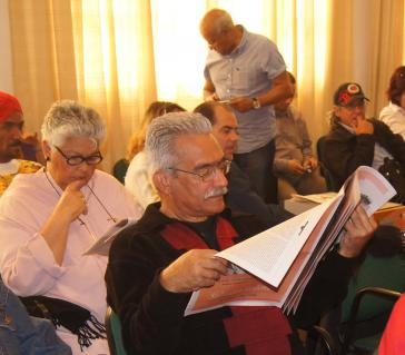 Desiderio Navarro (1948-2017) im Centro Loynaz in Havanna, Kuba