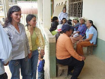 Der Gang zum Arzt – wie hier in Ecuador – findet in Lateinamerika häufig gar nicht statt: Die Leistungen sind zu teuer und die Menschen sind zu oft nicht versichert