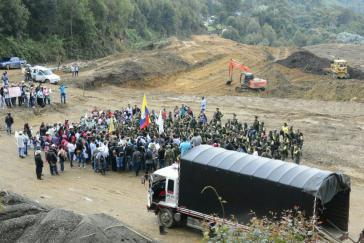 Farc-Kämpfer nach ihrer Ankunft in der Übergangszone La Elvira in Kolumbien