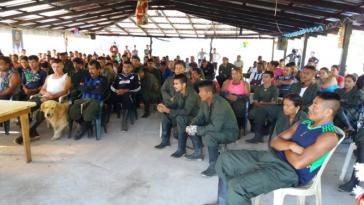 Farc-Mitglieder bleiben an Orten nahe der 26 Entwaffnungszonen in Kolumbien