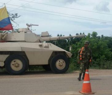 Eines der gepanzerten Kampffahrzeuge der kolumbianischen Armee an der Grenze zu Venezuela