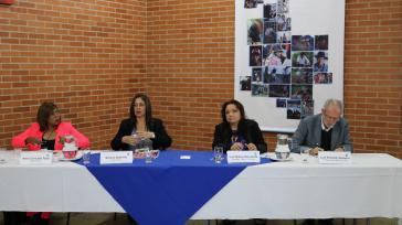Vertreter der Regierung und der ELN nehmen Vorschläge entgegen. Mehrere Wochen sollen die ersten Treffen mit der Bevölkerung von Kolumbien dauern