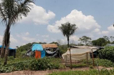 Selbstgebaute Hütten von Kleinbauern in der Siedlung Taquaruçu do Norte