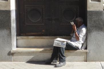 Zeitungsverkäufer in Havanna