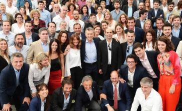 Der Präsident von Argentinien, Mauricio Macri (Bildmitte) bei einem Treffen mit Unternehmern des Landes am 5. Dezember 2017 in Buenos Aires