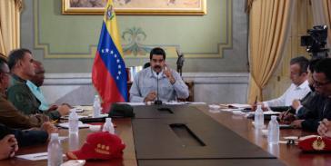 Venezuelas Päsident Maduro mit seinen Ministern in Venezuela
