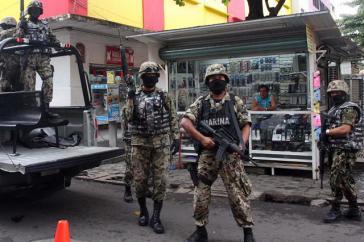 Eine Einheit der Marine von Mexiko im Einsatz gegen mutmaßliche Drogenhändler