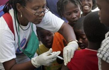 """Kubanische Ärztin der Brigade """"Henry Reeve"""" in Haiti"""