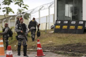 """Soldaten sollen """"Normalität und Mindeststandards von Sicherheit in den Haftanstalten"""" herstellen, so die de-facto-Regierung von Brasilien"""