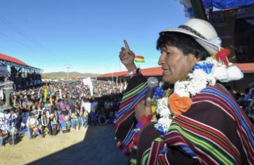 Die Opposition macht mit rassistischen Darstellungen Stimmung gegen Morales Wahlkandidatur in Bolivien