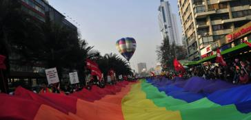 Dem Gesetz waren viele Proteste für die Gleichstellung in Chile vorausgegangen, hier eine Demonstration von Movilh