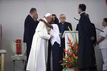 Franziskus in Villavicencio, Kolumbien, mit Opfern des bewaffneten Konflikts und früheren Guerillakämpfern