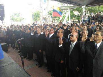 Am 18. Juli vereidigte die MUD-Mehrheit im Parlament von Venezuela 33 neue Richter des Obersten Gerichtshofes