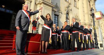 Präsident Pedro Pablo Kuczynski mit der neu ernannten Ministerpräsidentin Mercedes Aráoz