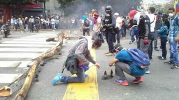 Bis zum Montagabend gingen die Gewaltaktionen kleiner Guppen im wohlhabenden Osten von Caracas weiter