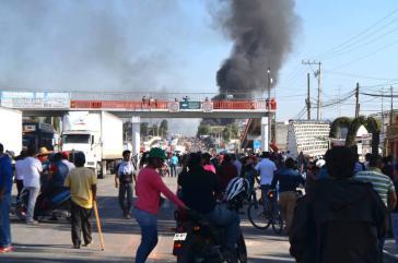 Brennende Straßensperre in Mexiko