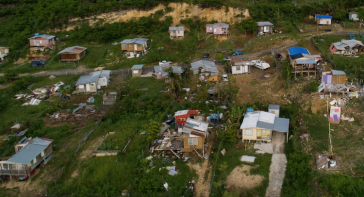 Zerstörte Häuser in Punta Diamante/Ponce, Puerto Rico