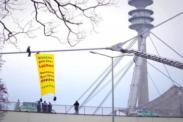 Protestaktion von Robin Wood-Aktivisten waren an der Olympiahalle