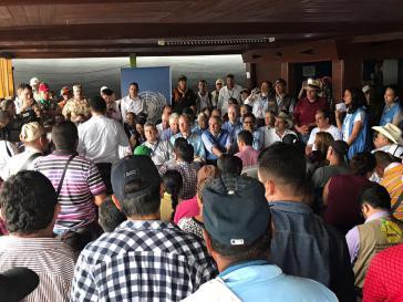 Vertreter des UN-Sicherheitsrates trafen mit Farc-Kommandanten und -Guerilleros in einer Übergangszone in La Meta zusammen