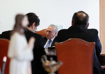 Es wird eng für Brasiliens De-facto-Präsident Michel Temer (hier beim Interview mit der Zeitescjrift Veja am 1. Juni)