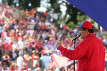 Venezuelas Präsident Maduro vor Anhängern in Caracas