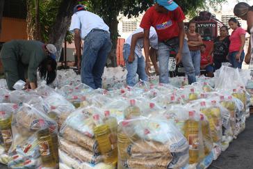 Verteilung von Nahrungsmitteln von den Basiskomitees (Claps) in Venezuela