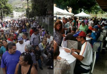Beide Seiten berichten über eine große Beteiligung an den Abstimmungen am Sonntag in Venezuela