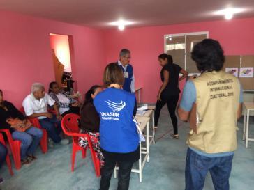 Auch bei der Wahl zur verfassunggebenden Versammlung am vergangenen Sonntag waren Wahlbegleiter anwesend