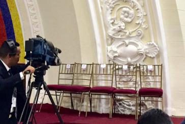 Die eingeladene Leitung des Parlaments erschien nicht zur Sitzung und verweigert die Anerkennung des Verfassungskonvents in Venezuela
