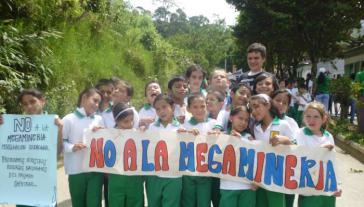 """Protest im Bezirk Pijao im Departamento Quindío, Kolumbien: """"Nein zu dem Megabergbau"""""""